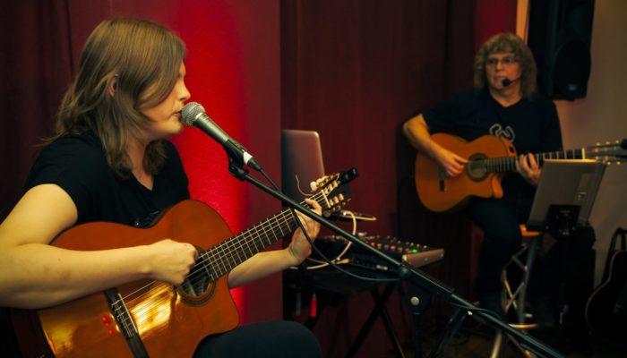 """Steinbick Akustik Duo - Jenny und Gerd beim Song - """"Du denkst, niemand versteht dich"""""""
